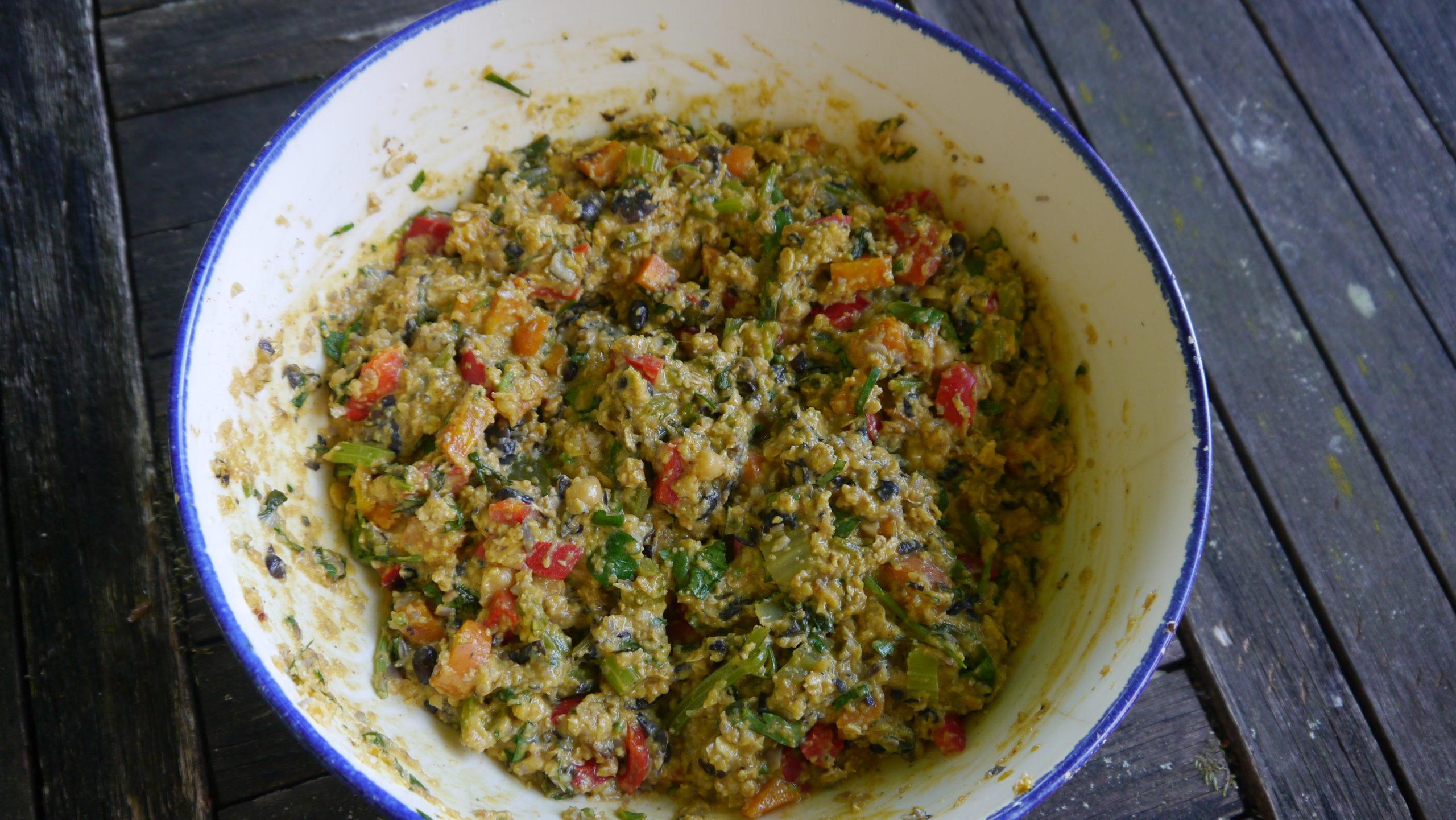 Pâte des galettes végétariennes aux légumes et légumineuses